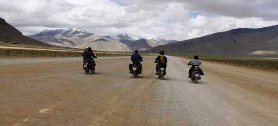 motor biking trip leh ladakh expedition